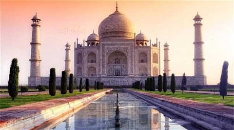 Receding Water Levels of Yamuna Poses Threat to Taj Mahal