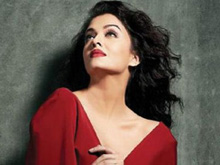 Aishwarya Rai Photo Shoot for Filmfare Photos (PHOTOS)
