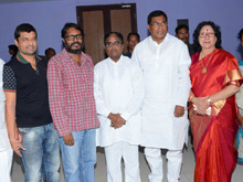 T Congress Leaders Watches Rudramadevi Movie Photos (PHOTOS)