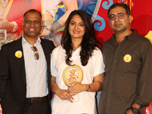 Size Zero 1 KG Gold Contest Press Meet Photos (PHOTOS)