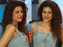Shraddha Das At Guntur Talkies Promotions Photos