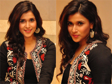 Mannara Chopra At Habeeb Saloon Launch Photos
