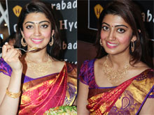Pranitha Launches Hyderabad Chefs Restaurant Photos