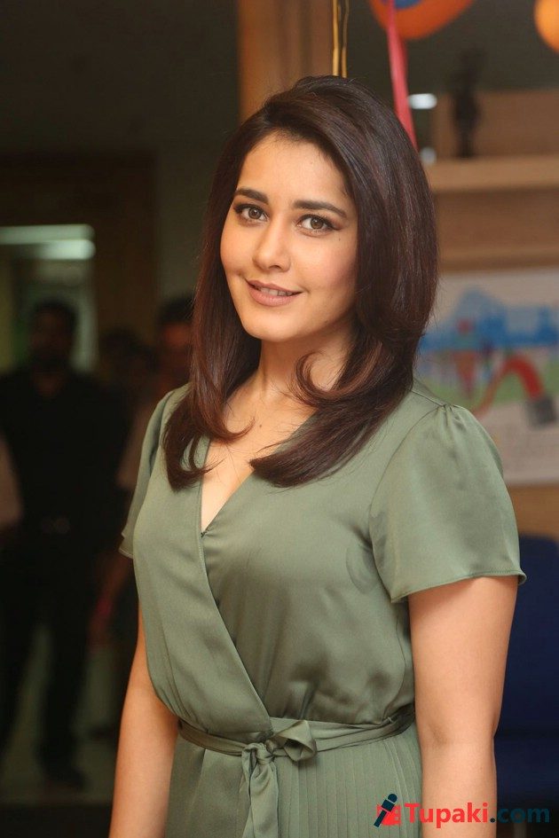 Rashi Khanna New Pictures