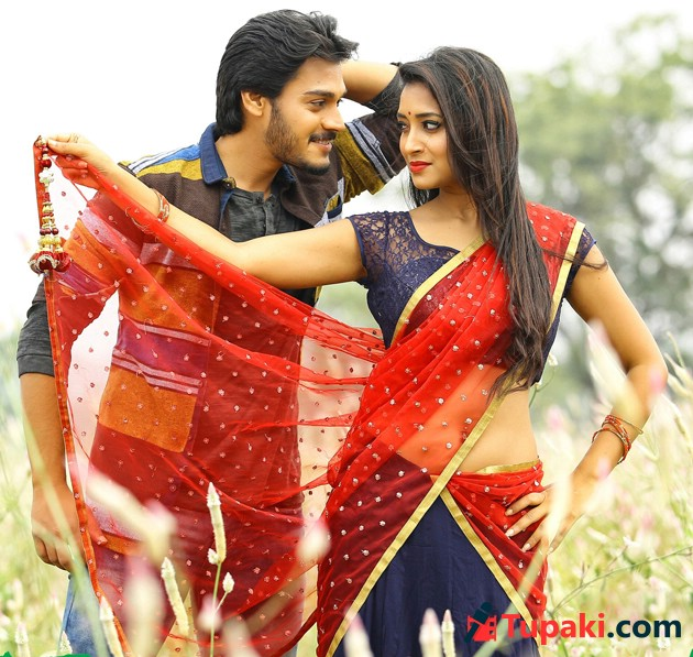 Iddari Madhya 18 Movie Latest Photos