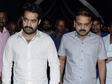 JR NTR visits NTR Ghat on NTR Birth Anniversary Photos