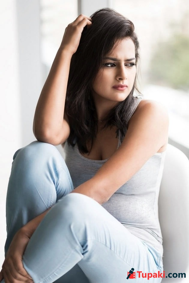 Shraddha Srinath Latest Photos