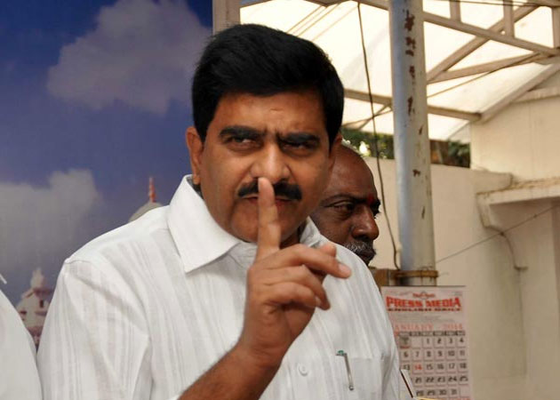 Devineni Umamaheswara Rao Irked with Journalists Questions