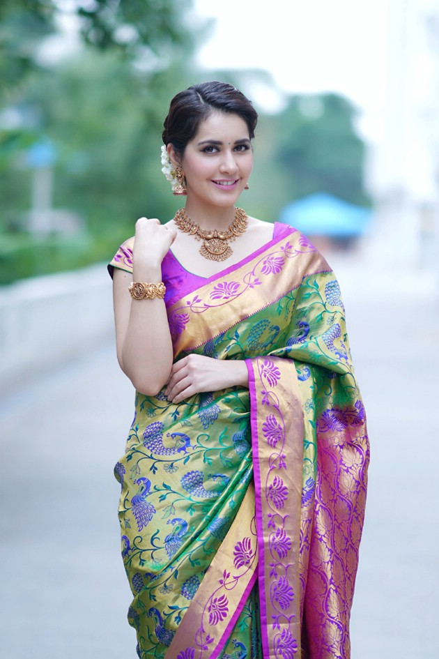 Raashi Khanna Photo Shoot Photos