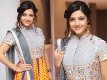 Mehreen Kaur Pirzada Photos