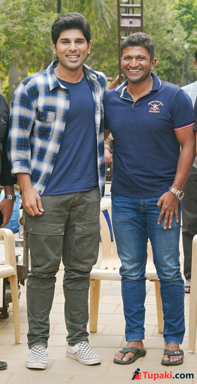 Puneeth Rajkumar visits Allu Sirish Okka Kshanam sets Photos