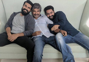 Bollywood Heroines For Rajamouli