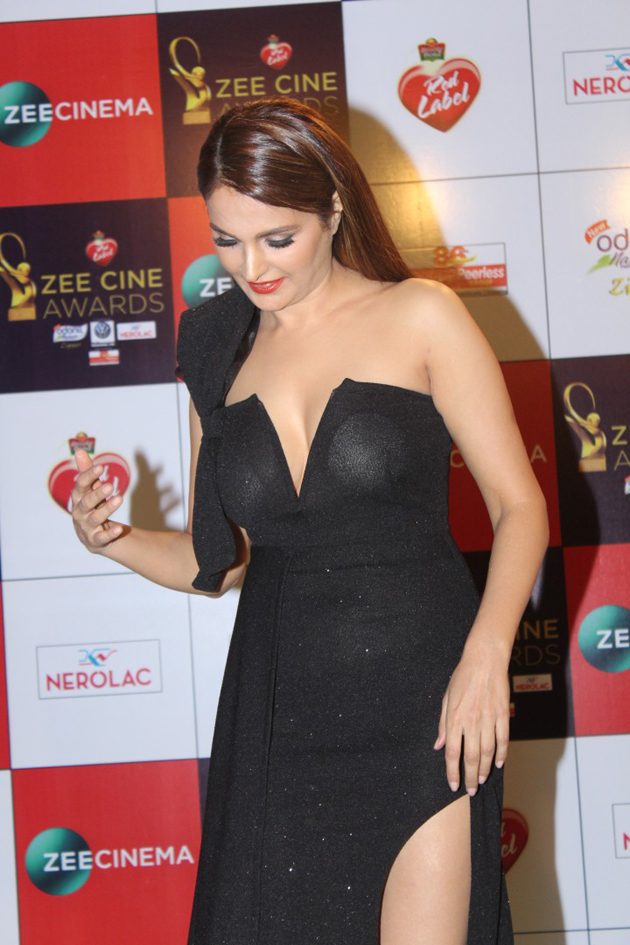 Celebs at Zee Cine Awards 2018 Photos | Zee Cine Awards 2018