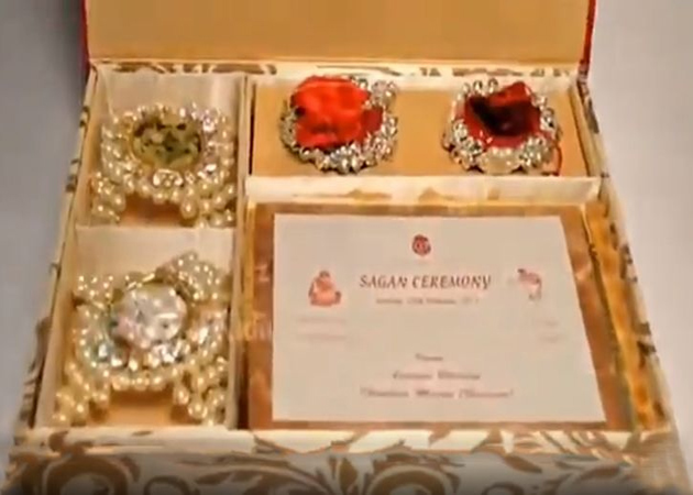 Mukesh ambani son rs 15 lakh wedding card goes viral in talk ambanis rs 15 lakh wedding card stopboris Gallery