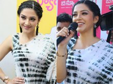 Mehreen Pirzada Launch B New Mobile Store At Hindupur Photos