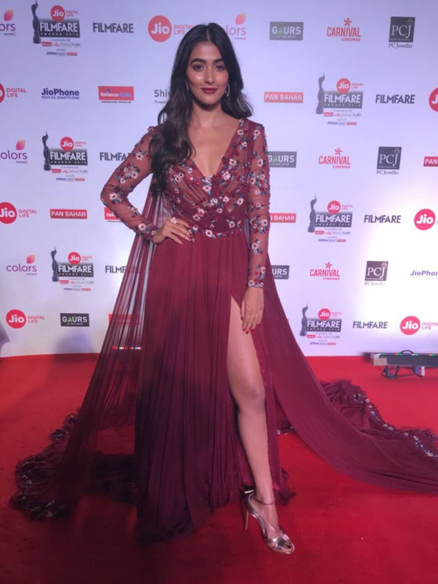 Celebs At Jio Filmfare Awards 2018 Photos