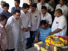 Celebs Condolences to Gundu Hanumantha Rao Photos