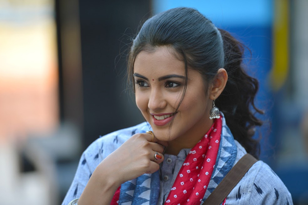 Malavika Sharma Stills from Nela Ticket Movie Photos