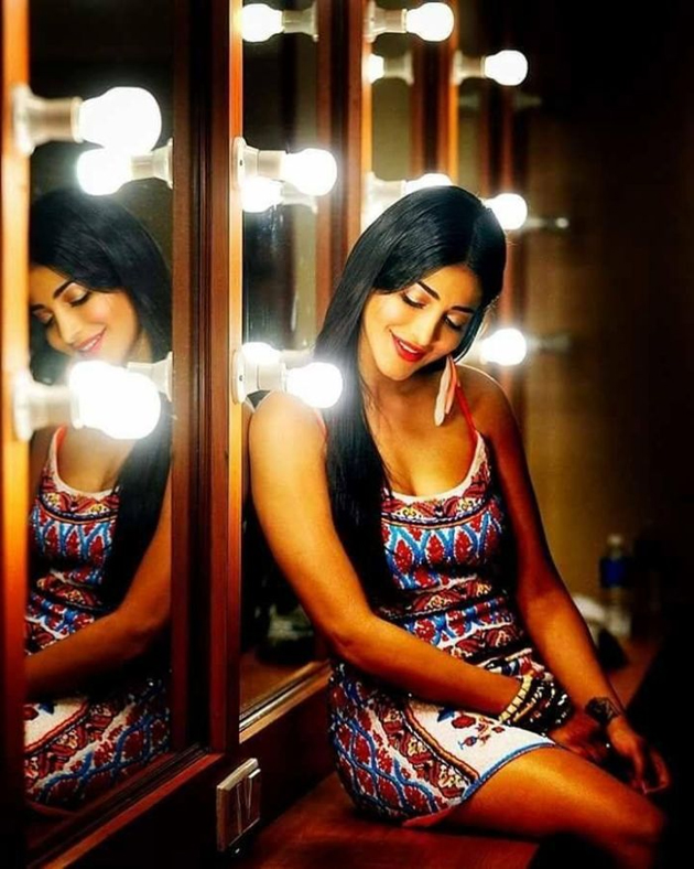 Shruti Haasan Photo Shoot Photos