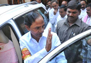 KCR To Give Complaint Against Chandrababu Naidu TO Narendra Modi