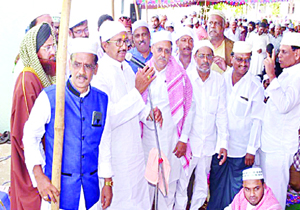 Muslims Angry to Murali Mohan During Ramzaan Celebrations