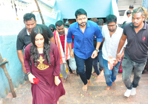 Chinababu Movie  team At Vijayawada Kanakadurga temple Photos