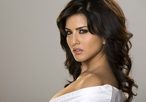 Sikh leaders demand removal of Kaur from title of Sunny Leone biopic