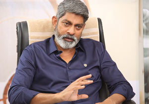 Jagapathi babu On about His Role in CHiranjeevi Sye Raa Movie