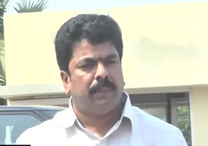 TDP MLA Bonda Uma Insulted By Durgamma Temple Officers