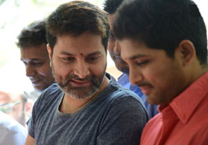 Trivikram Make Changes in Script For Allu Arjun