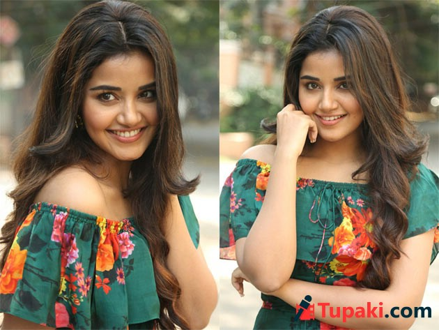 Anupama Parameswaran New Photos