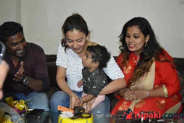 Rakul Preet Singh Birthday Celebrations Photos