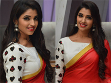 Anchor Shyamala Photos
