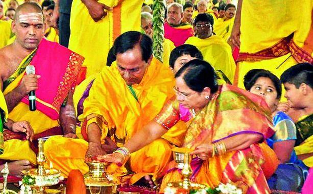 Can KCR win Elections by doing Yagams & Homams alone?