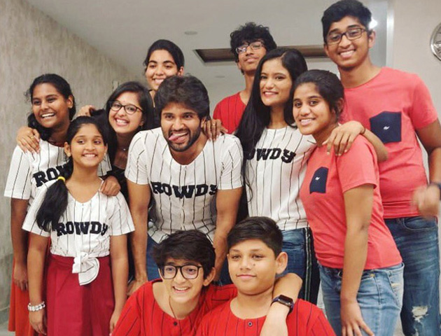 Vijay Deverakonda Spending Time With Star Kids