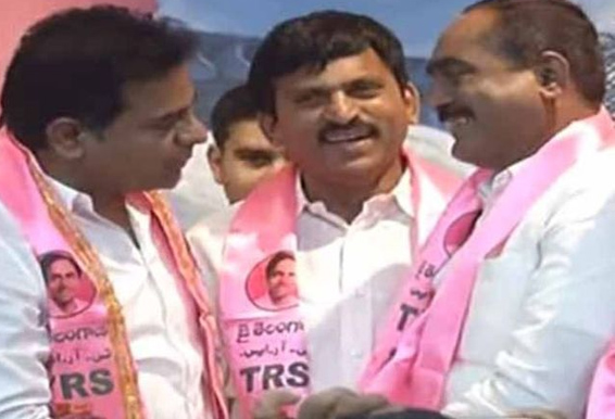 independent mla ramulu naik joined in trs party