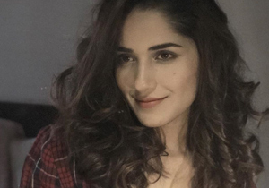 Ruhani Sharma Goes Buttonless