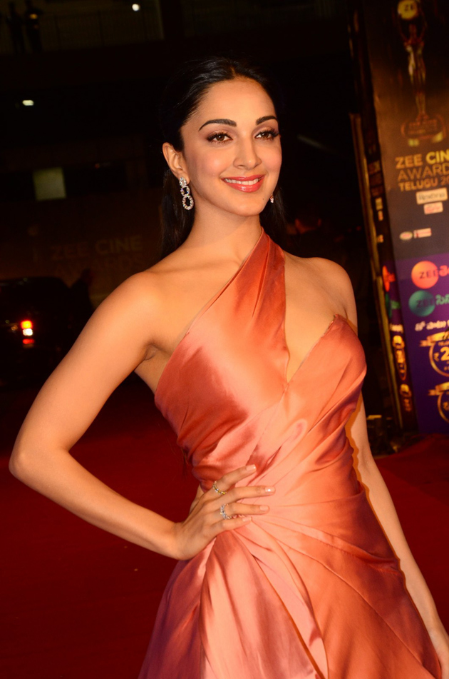 Kiara Advani at Zee Cine Awards 2018 - Photogallery - Page 2