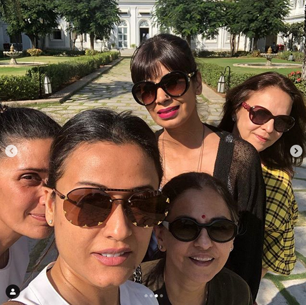 Namrata Sirodhkar Day Out With Her Friends Photos