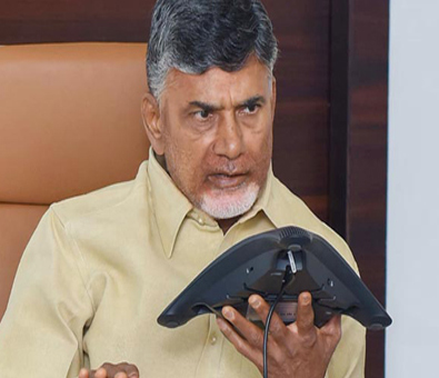 Chandrababu Naidu Blames KCR and Jagan over TDP Leaders Joins to YSRCP