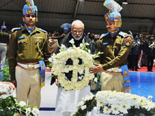 Narendra Modi Pays Homage to Martyrs photos