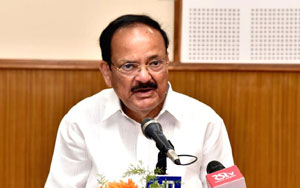 Venkaiah Naidu Indirectly Satires On Chandrababu