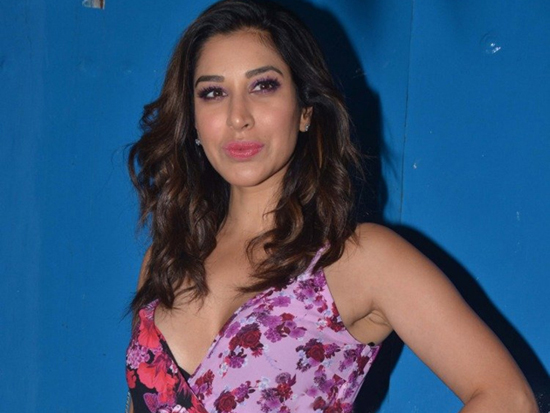 Sophie Choudry At Nikhil Advani party Photos