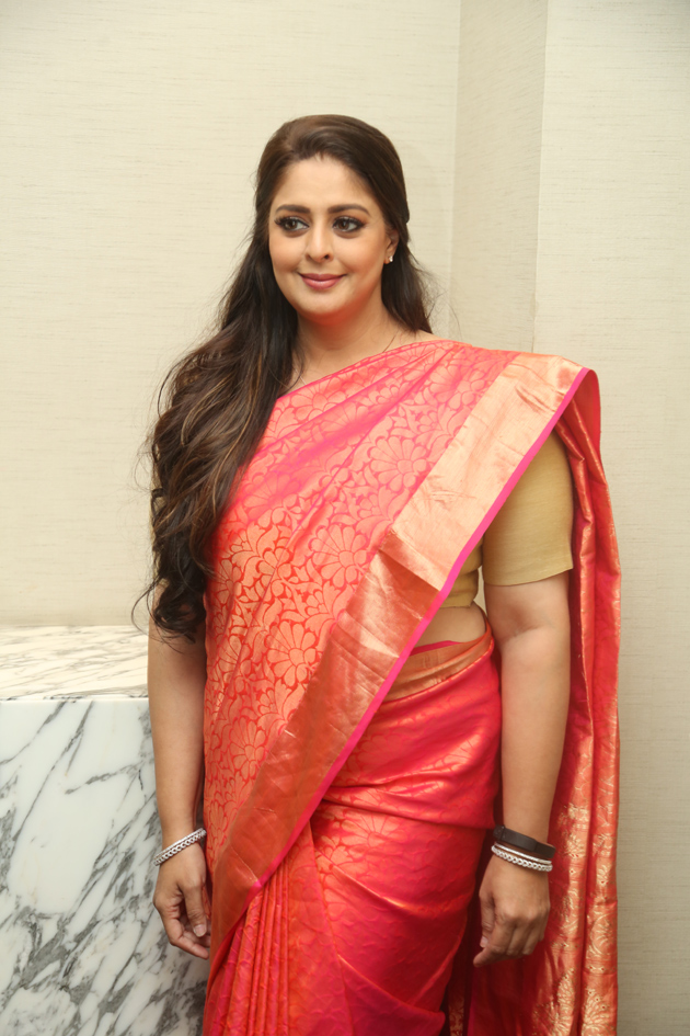 Nagma New Photos - Photogallery - Page 1