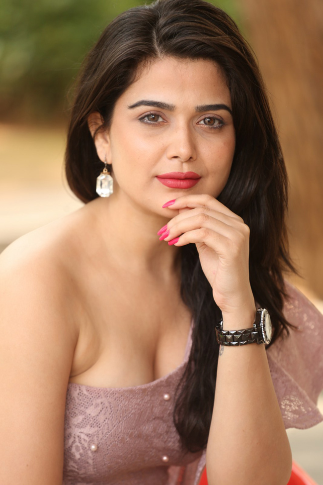 Ayesha Singh New Photos