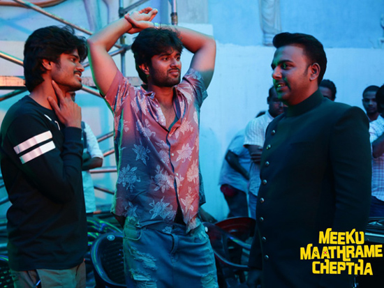 Working Stills Of Meeku Maathrame Cheptha