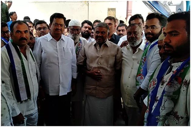 JC Brothers Follower Shabbir Ali Quits TDP And Joins In YSRCP