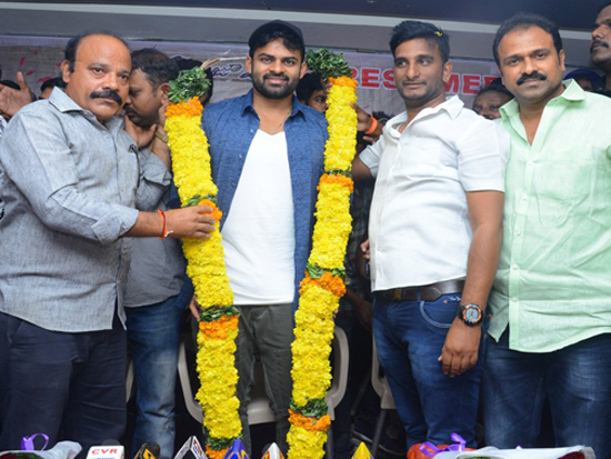 Pratiroju Pandaga Movie Team Bus Tour At Vijayawada