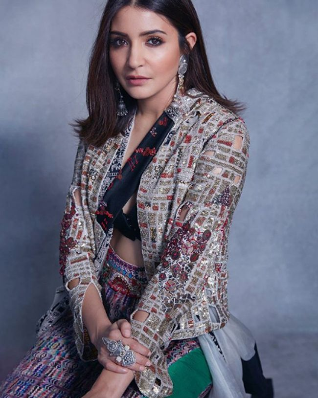 Anushka Sharma Latest Awesome Pics