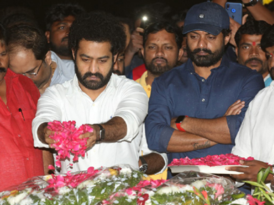 Jr NTR and Kalyan Ram paying Tribute at NTR Ghat on NTR death anniversary